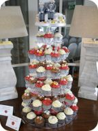 Cupcake tower with top cake